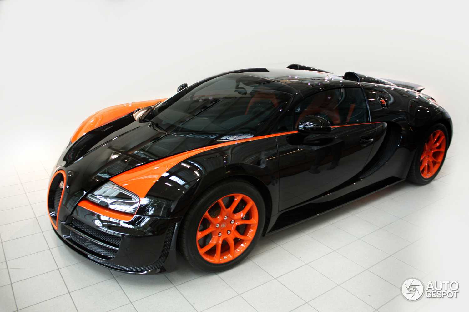trust owner buys third bugatti veyron. Black Bedroom Furniture Sets. Home Design Ideas