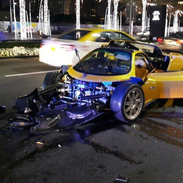 Pagani Zonda F Crasht In Dubai
