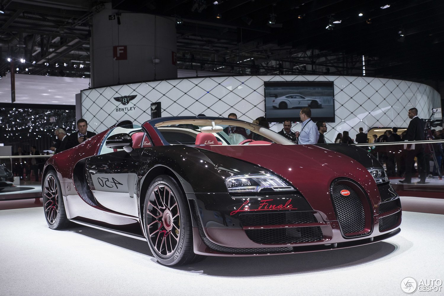 geneva motor show bugatti veyron grand sport vitesse la finale hartvooraut. Black Bedroom Furniture Sets. Home Design Ideas