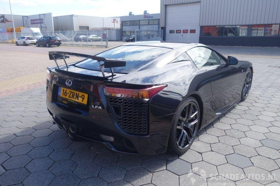 nederlandse lexus lfa met schade is voor van jou. Black Bedroom Furniture Sets. Home Design Ideas