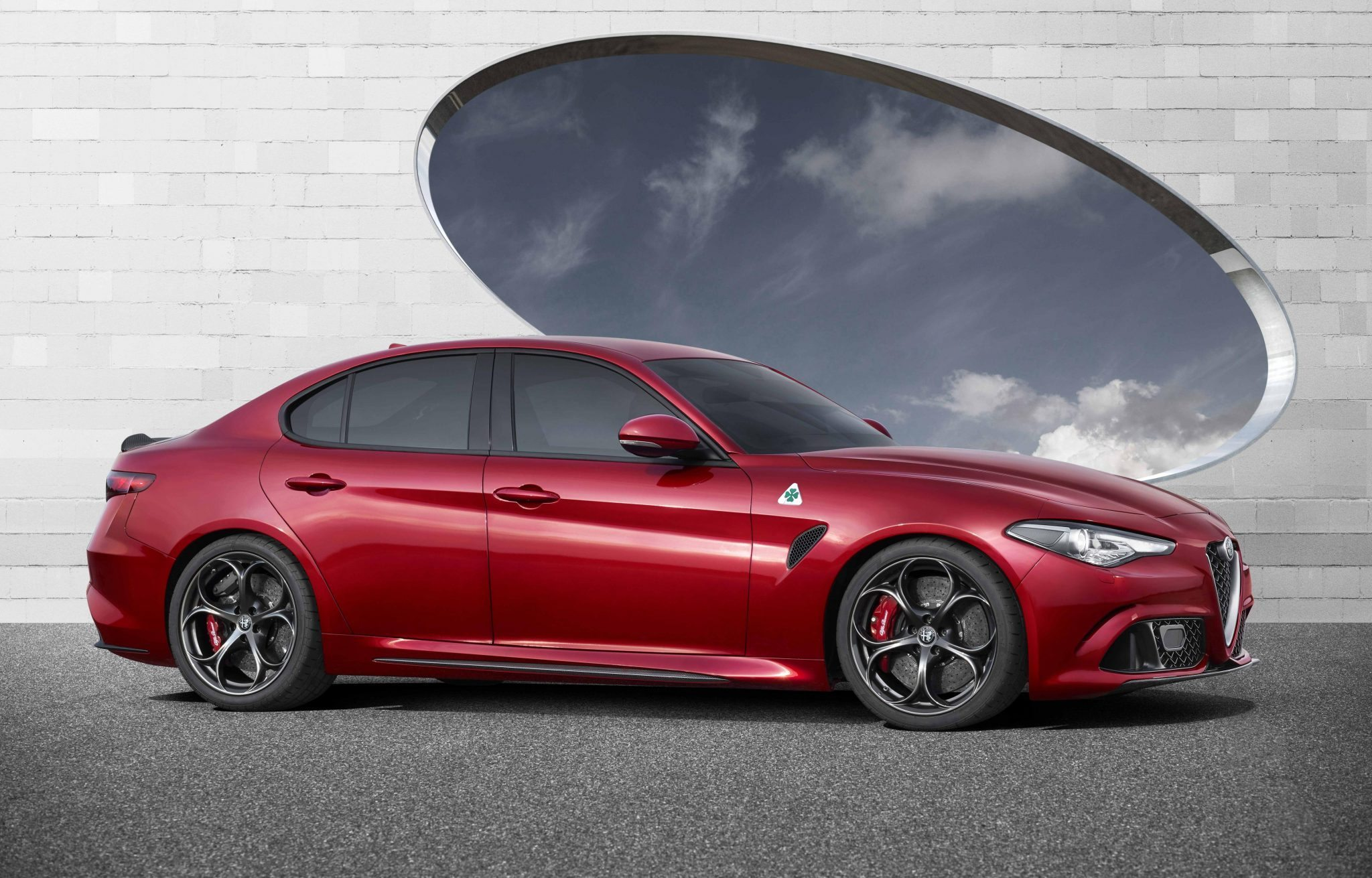 dit is de 2016 alfa romeo giulia qv met 510 pk. Black Bedroom Furniture Sets. Home Design Ideas
