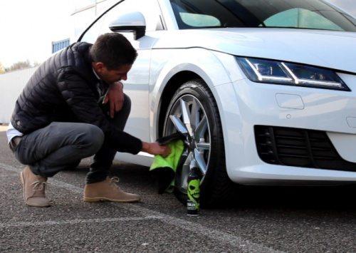 Hiermee houden wij onze testauto's schoon!