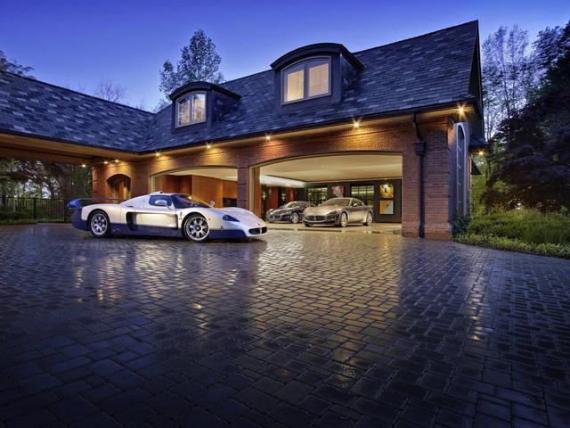 Ultimate Supercar Garage - Hartvoorautos.nl