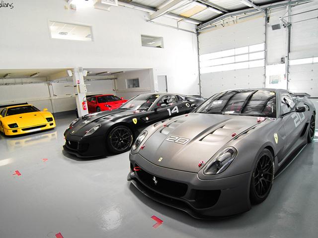 Supercars Parkeer Je In Ultieme Garages Hartvoorautos Nl
