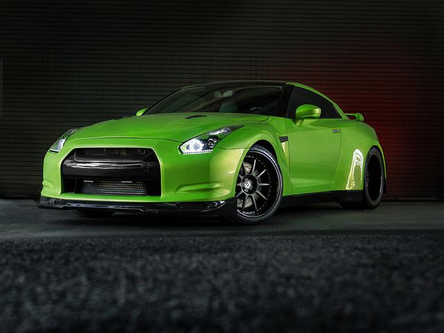 Nissan GT-R Widebody Green Hulk - www.hartvoorautos.nl