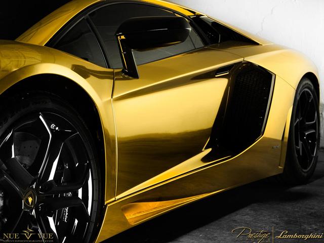 Gold Chrome Aventador - www.hartvoorautos.nl