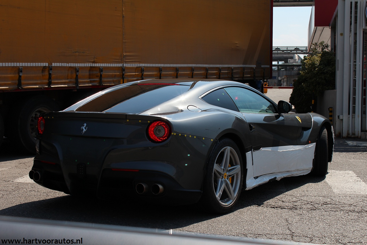 Ferrari F12 Berlinetta - www.hartvoorautos.nl