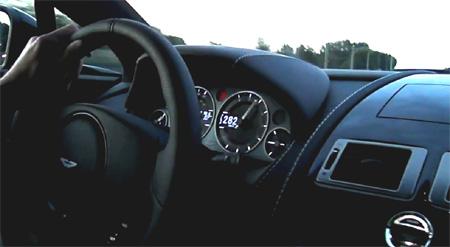 Aston Martin V12 Vantage Carbon Black - www.hartvoorautos.nl