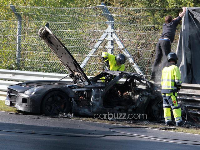 Crashed and Burned SLS AMG Black Series - www.hartvoorautos.nl