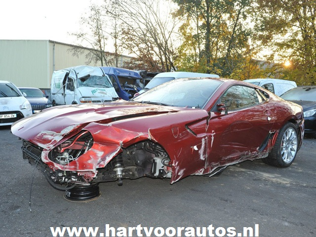 Christiano Ronaldo's Wrecked Ferrari For Sale - www.hartvoorautos.nl