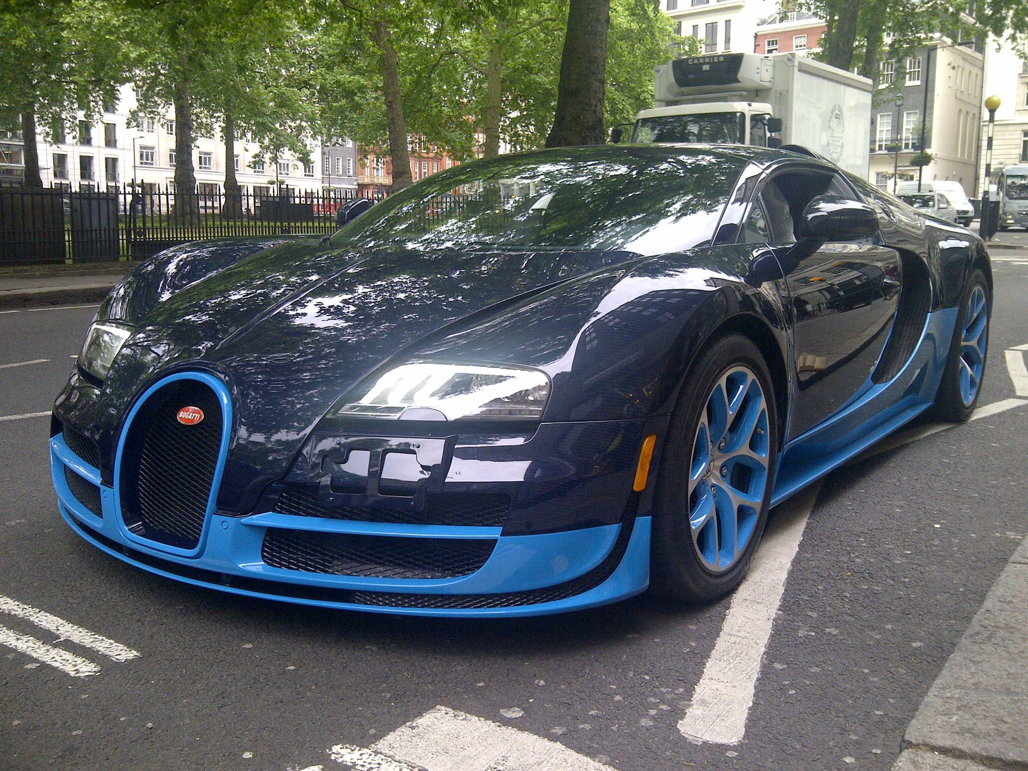 Bugatti Veyron in London - www.hartvoorautos.nl