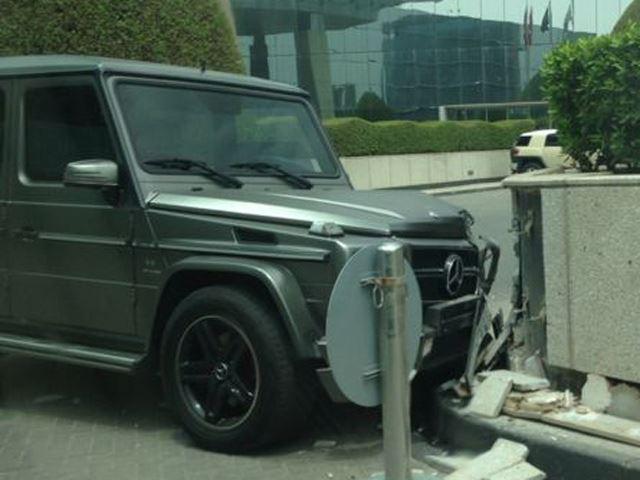 Mercedes-Benz G65 AMG Crash - www.hartvoorautos.nl