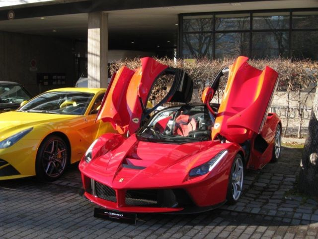 second hand ferrari laferrari for sale. Black Bedroom Furniture Sets. Home Design Ideas
