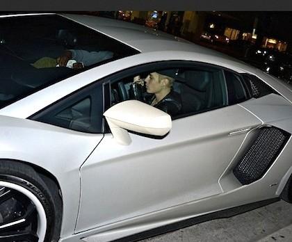 Justin Bieber in Lamborghini Aventador - www.hartvoorautos.nl