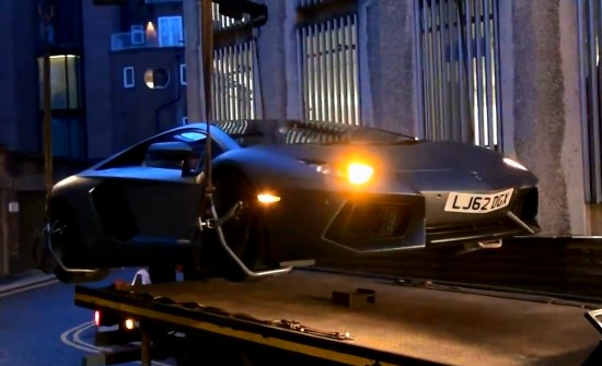 Lamborghini Aventador Impounded - www.hartvoorautos.nl