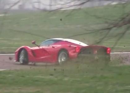 Kimi Raikkonen Ferrari LaFerrari Spin Out - www.hartvoorautos.nl