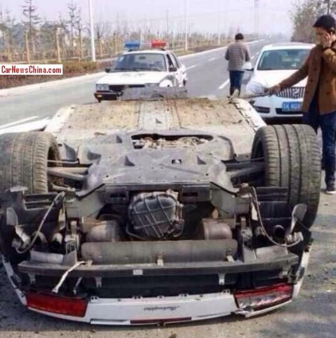 Lamborghini Gallardo LP560-4 Spyder Crash in China - www.hartvoorautos.nl