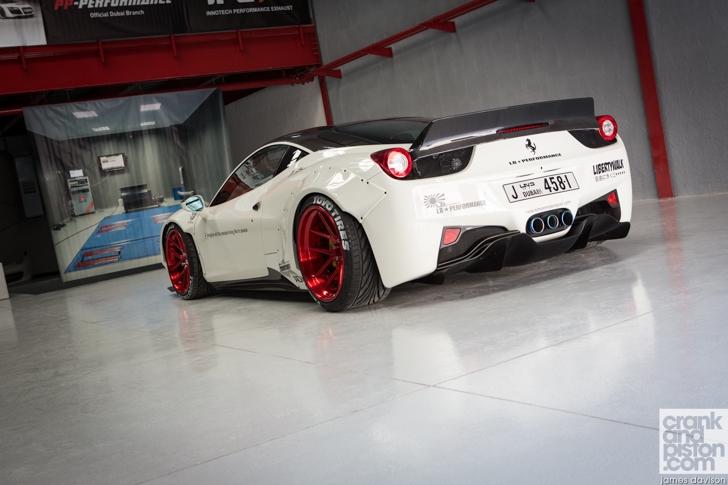 Oakley Design Ferrari 458 Italia Liberty Walk - www.hartvoorautos.nl