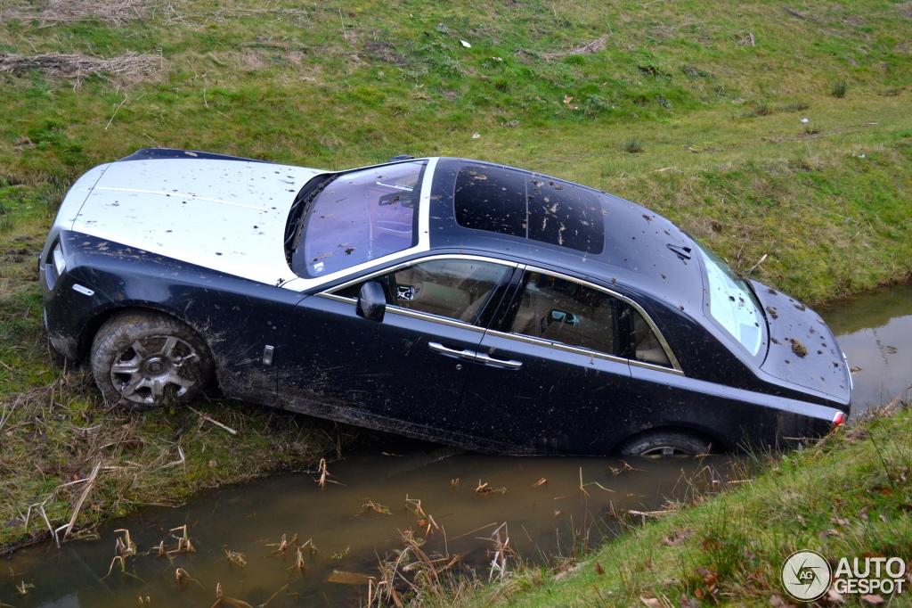 Rolls-Royce Ghost Crash - www.hartvoorautos.nl