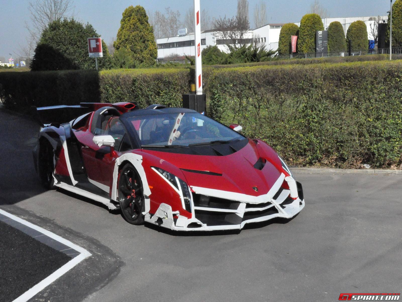 Spotted Lamborghini Veneno Roadster Hartvoorautos Nl
