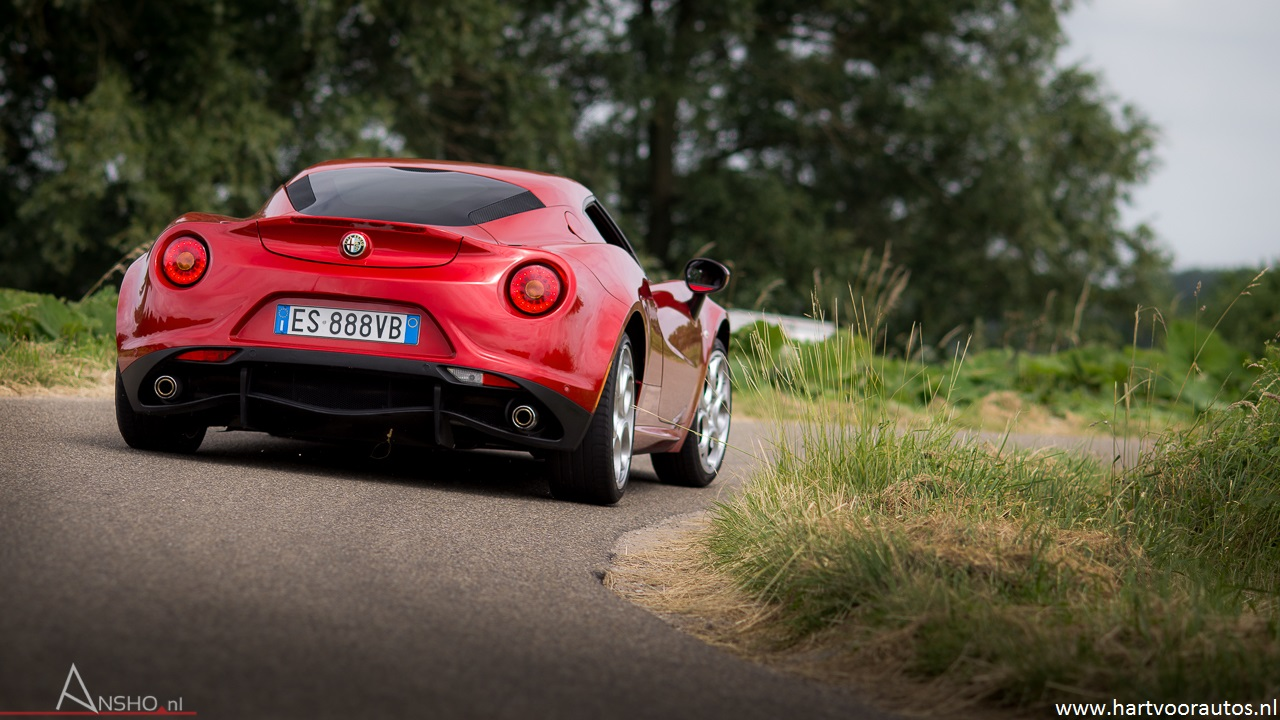Alfa Romeo 4C - www.hartvoorautos.nl