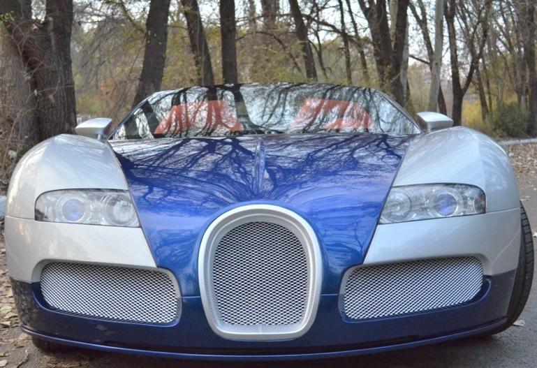 Wat klopt er niet aan deze Bugatti Veyron? - Hartvoorautos.nl