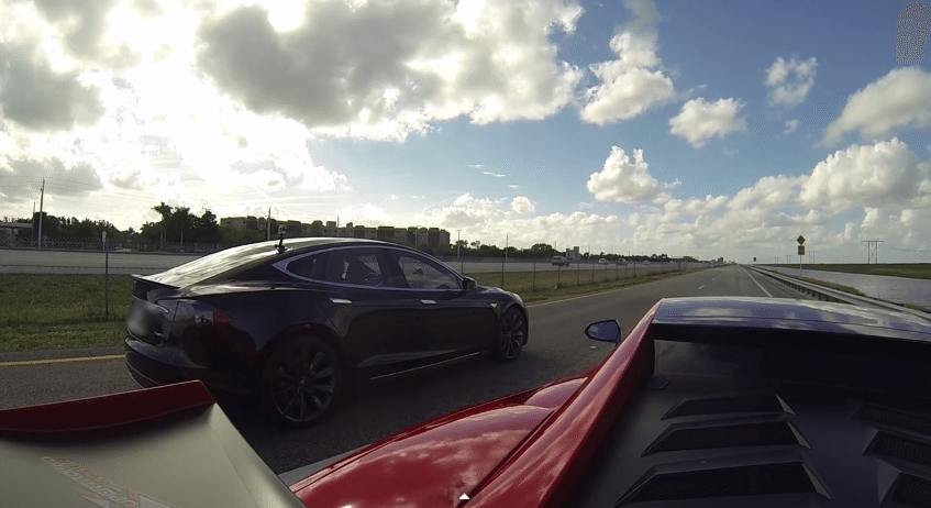Tesla Model S P85D vs Lamborghini Gallardo LP570-4 Super Trofeo Stradale (2)