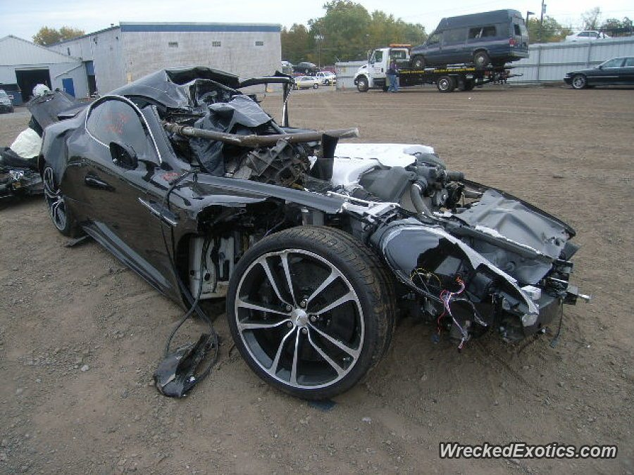 Aston Martin DBS Crash
