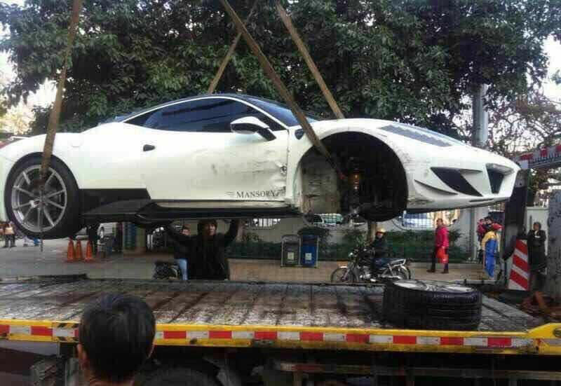 Ferrari 458 Mansory Siracusa Crash