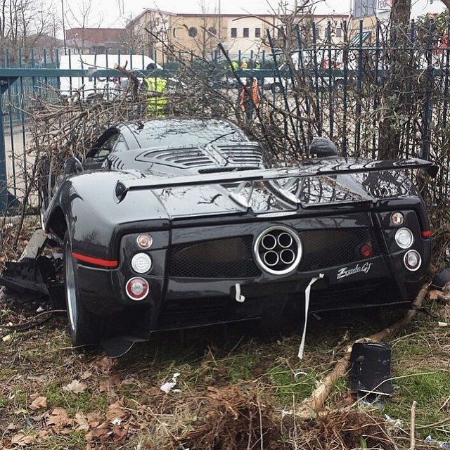 Pagani Zonda GJ Crash