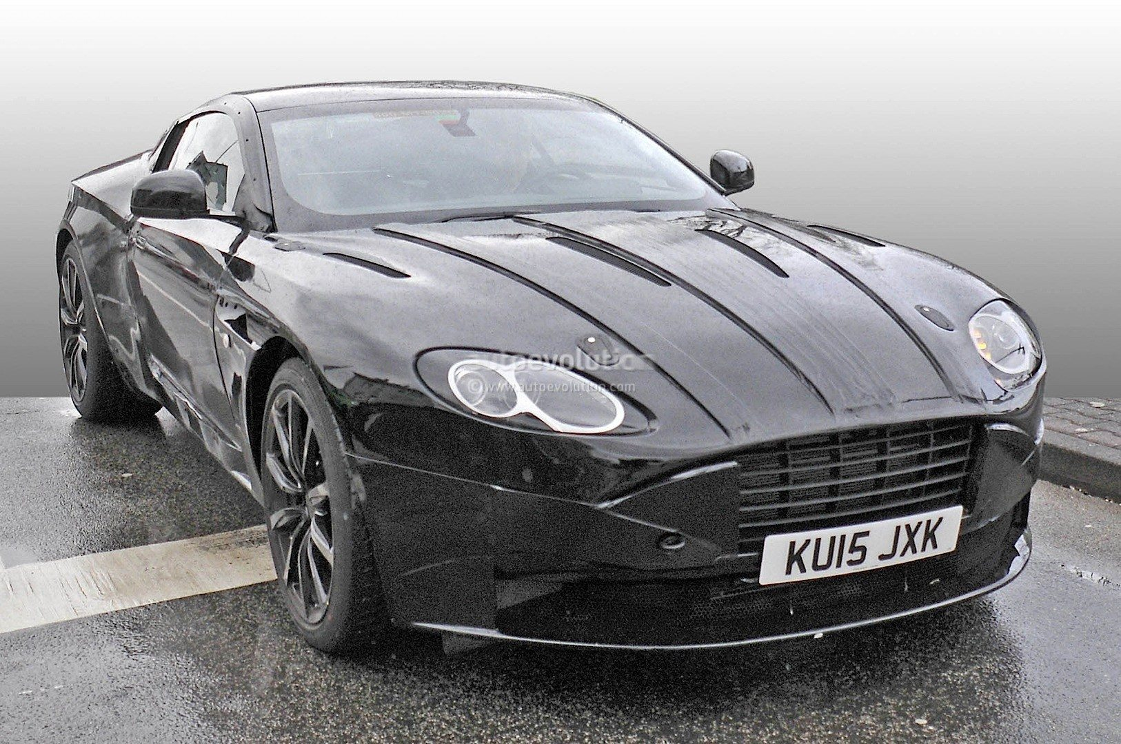 gespot aston martin db11. Black Bedroom Furniture Sets. Home Design Ideas