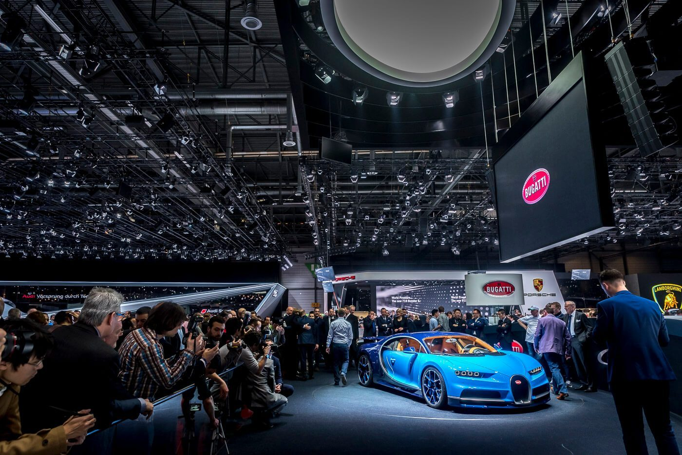 Bugatti Chiron - Hartvoorautos.nl