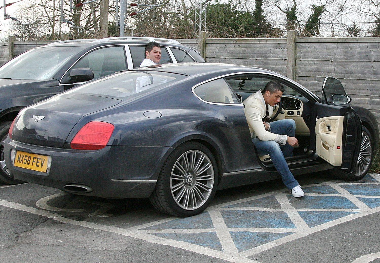 Pssst Wil Je De Bentley Van Cristiano Ronaldo Kopen