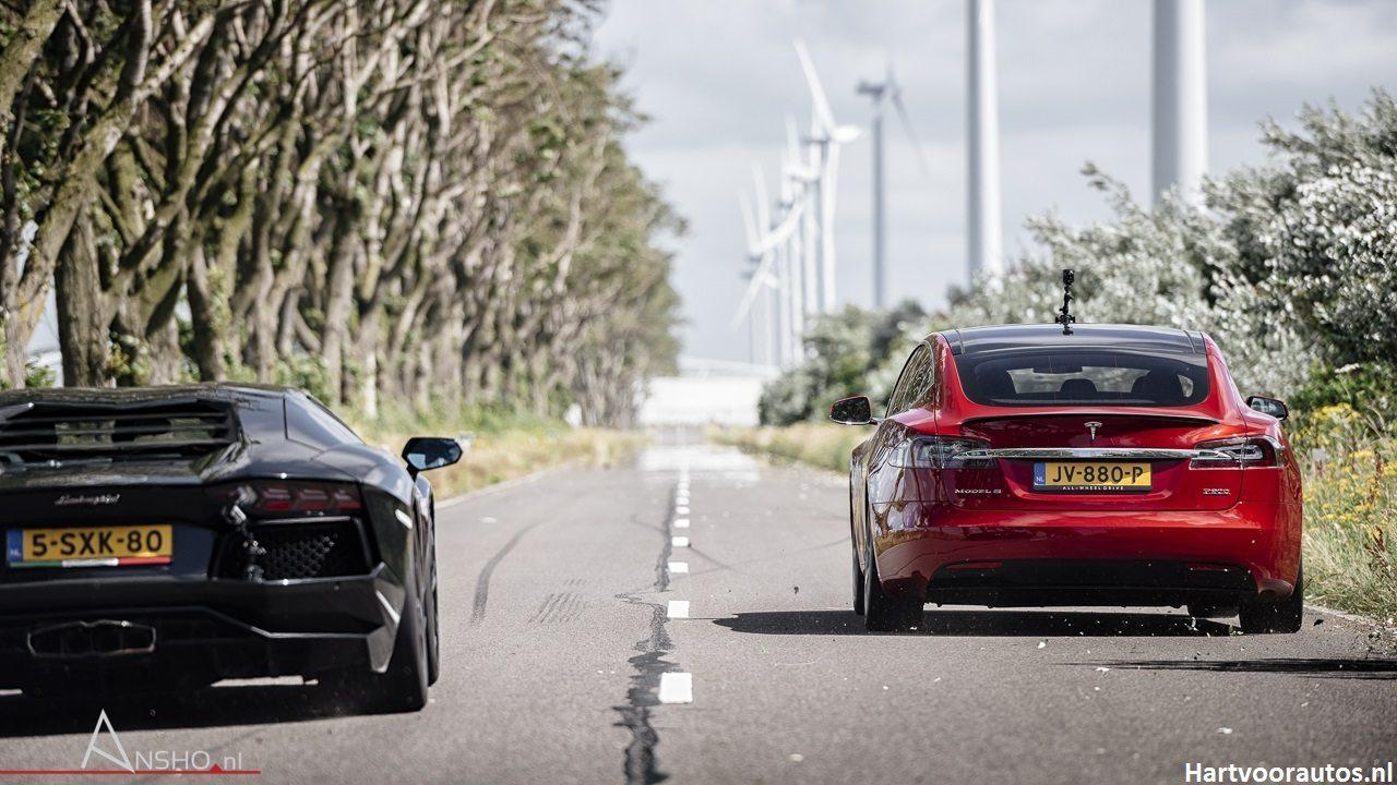 Tesla Model S P90D vs Lamborghini Aventador - Hartvoorautos.nl