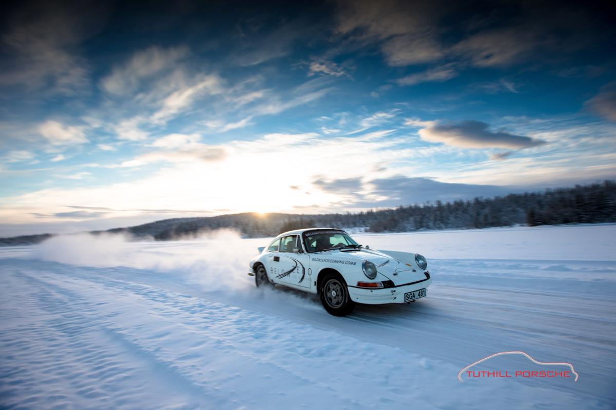 Porsche-911-Ice-Driving-15
