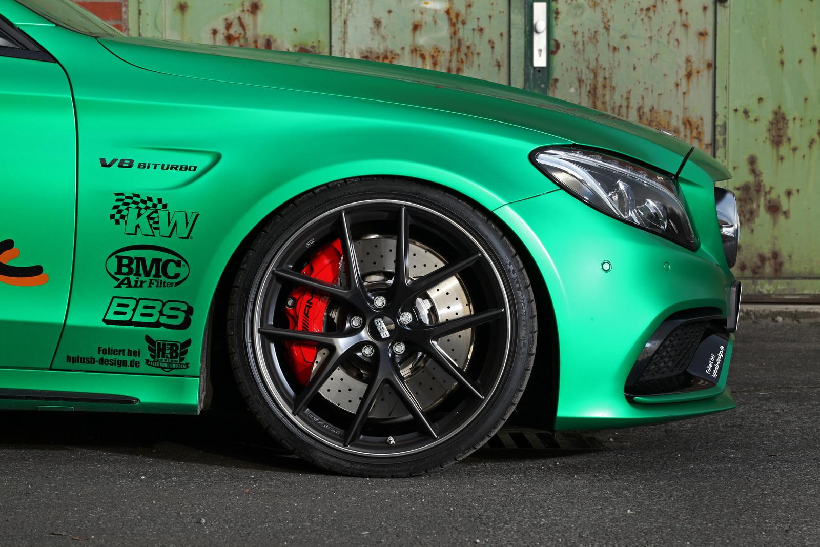 Is 801 pk teveel voor deze Mercedes C63 S AMG