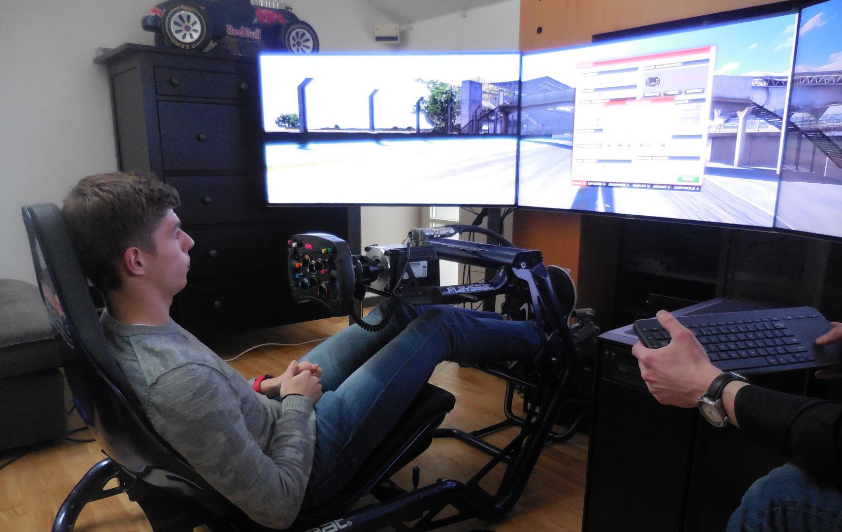 Max Verstappen Race Simulator