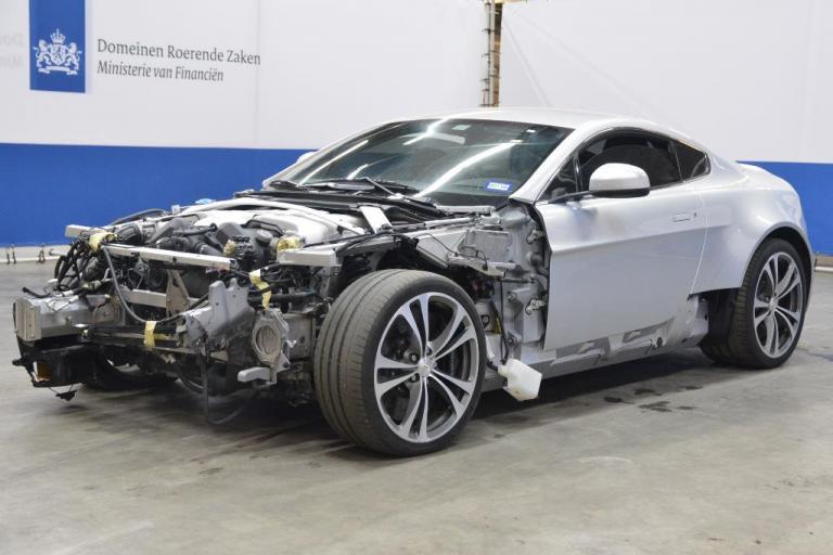 Aston Martin V12 Vantage Kopen Ofja Een Halve Dan Hartvoorautos Nl