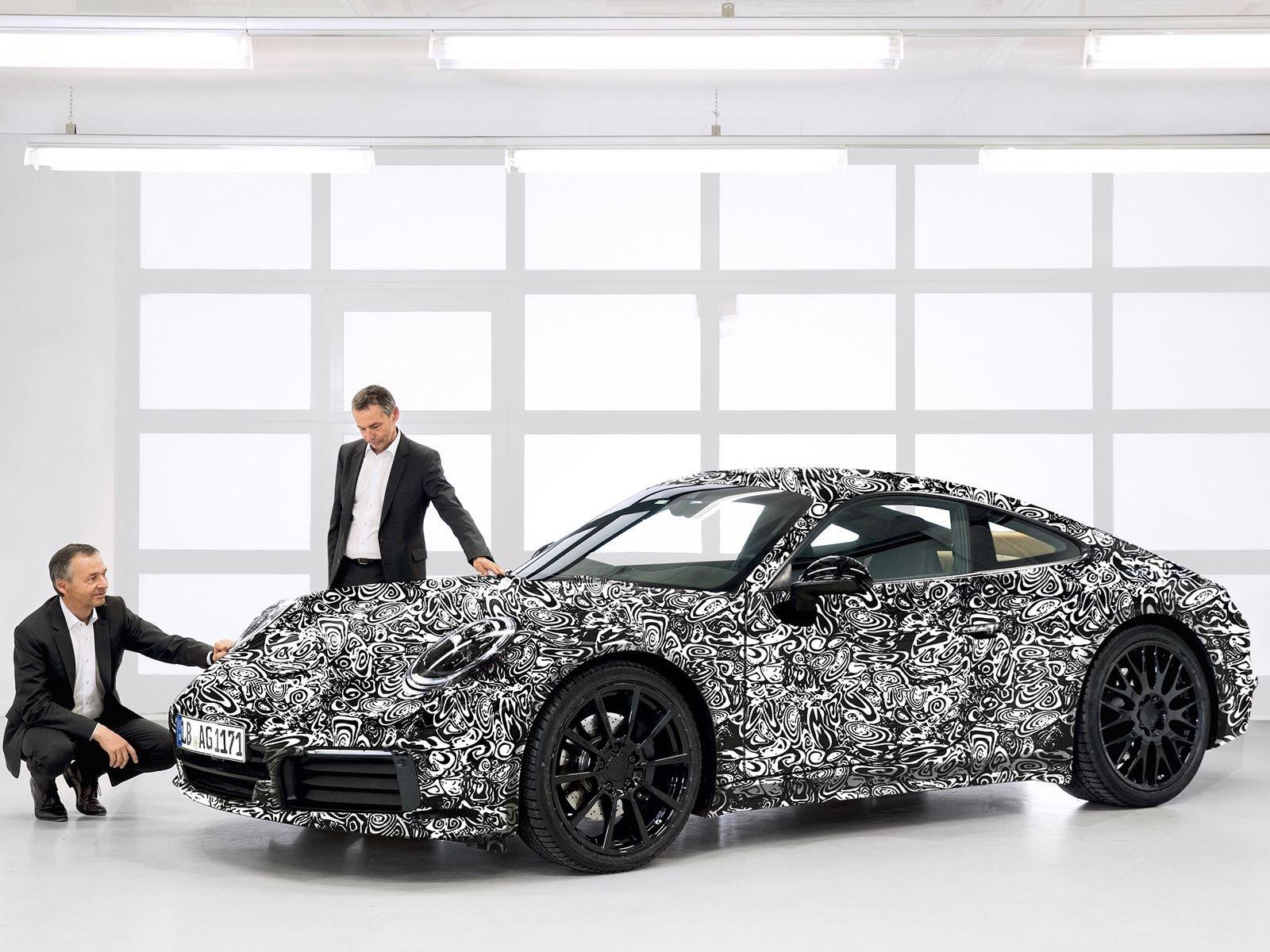 Porsche Carrera Plug-In Hybrid