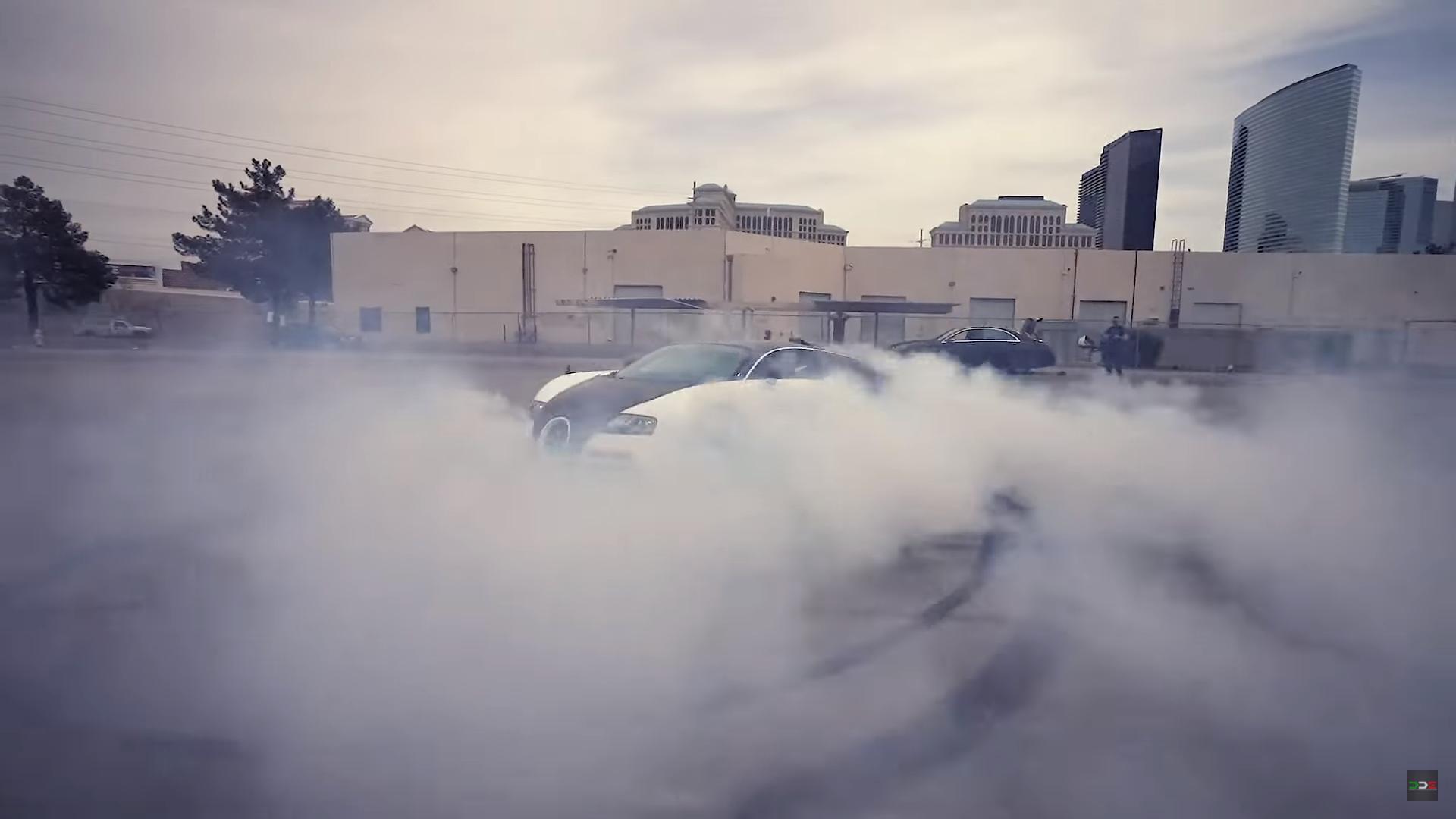 Bugatti Veyron Burnout