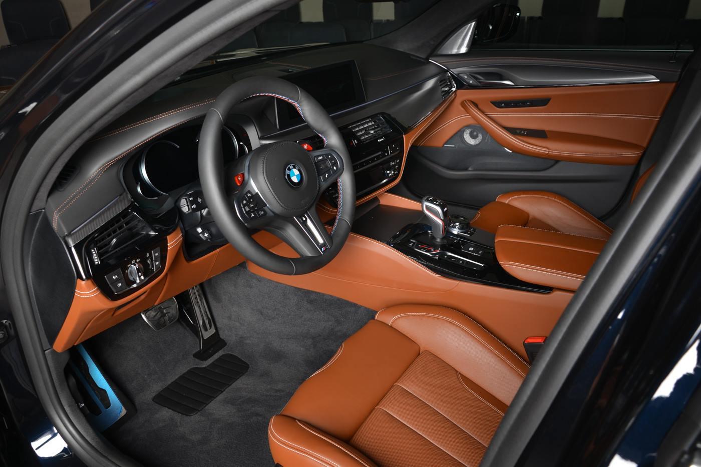 2018 BMW M5 in Azurite Black is schitterend ...