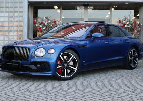 Stijlvolle Bentley Flying Spur Blackline kost je €349.950,-
