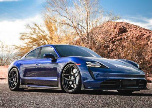 Porsche Taycan ziet er gelikt uit met Vivid Racing Carbon Fiber Aero Kit